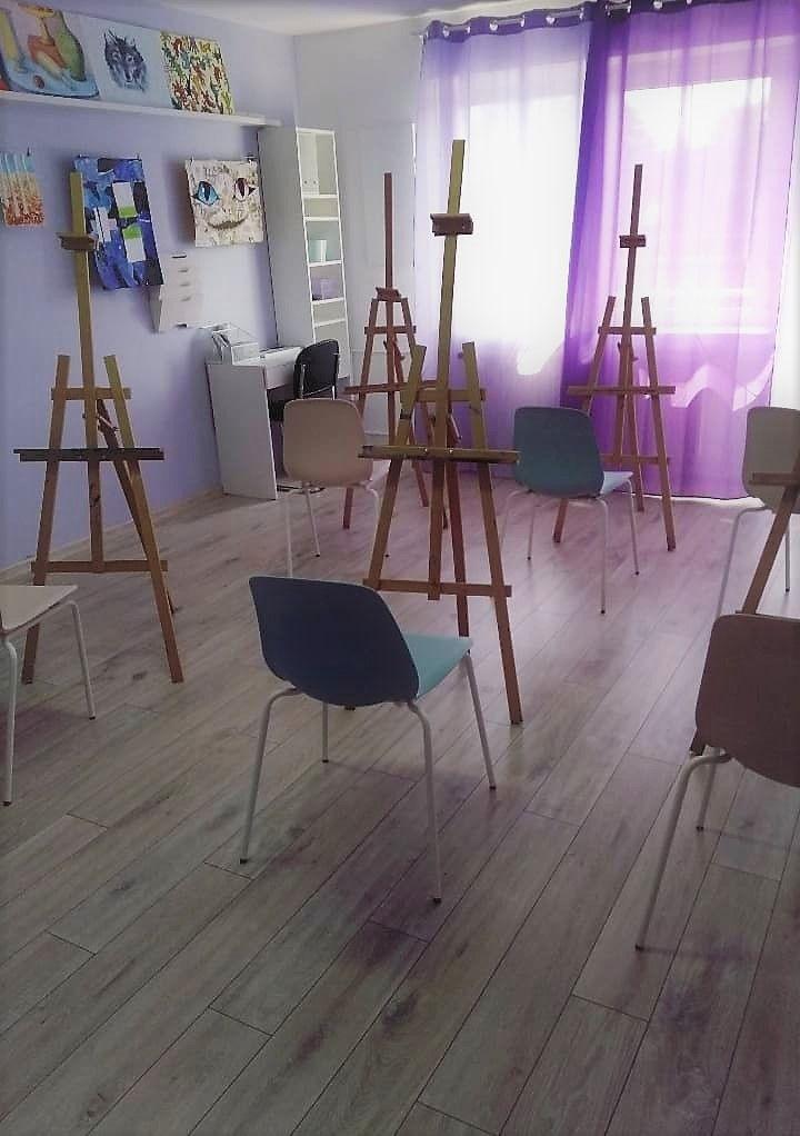 widok-pracowni- malarskiej-w-akademii-rysunku-w-Poznaniu