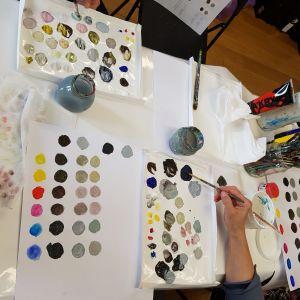paleta-kolorow-tworzymy-wlasne-kolory-akademia-rysunku-poznan