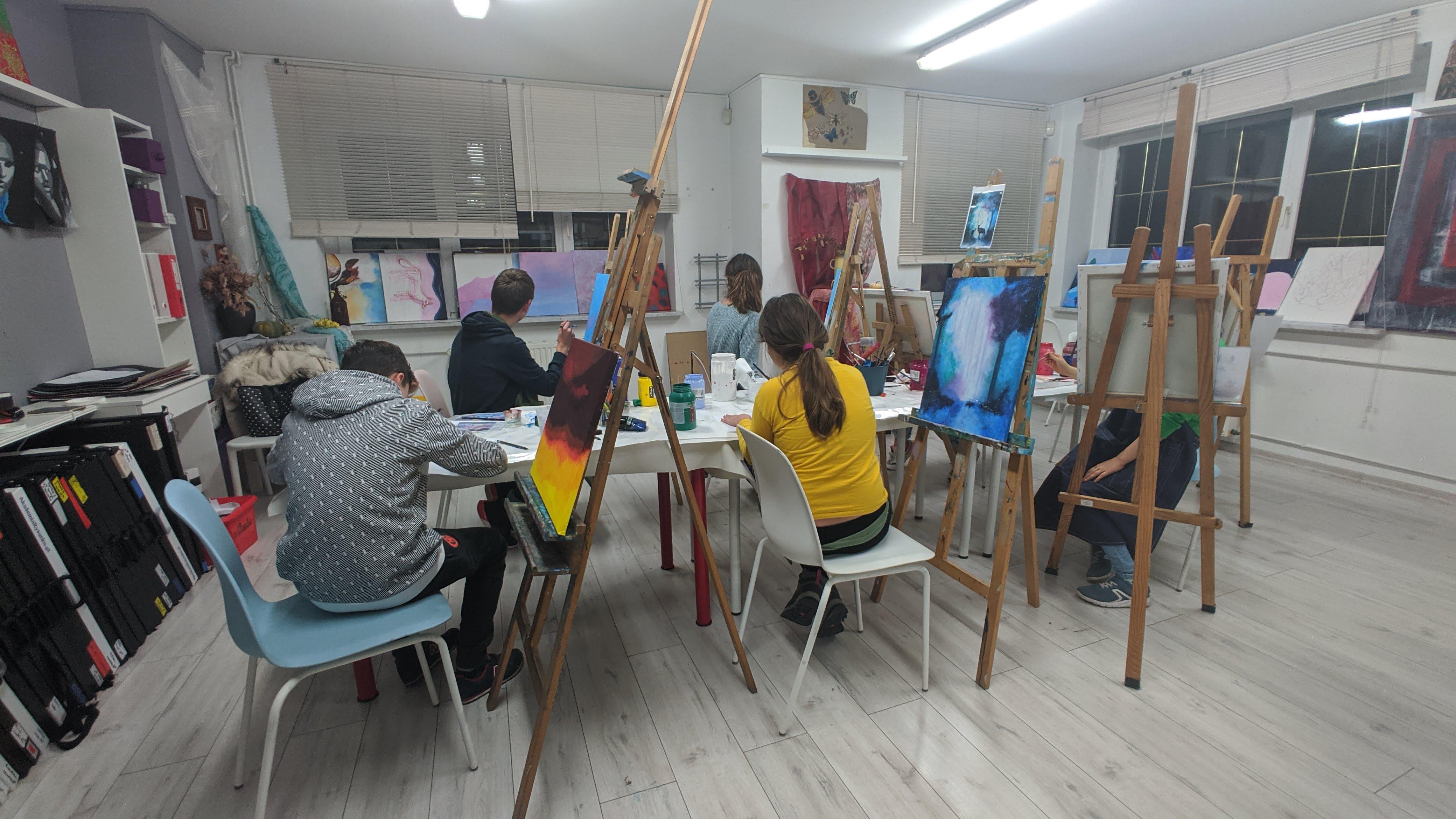 pracownia-rysunku-i-malarstwa-w-budynku-akademia-rysunku